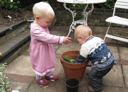 Grubbing - Toddler Fun!